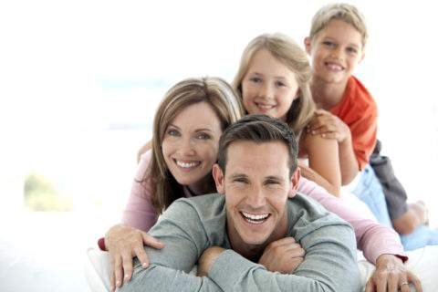 closing-lawyer-happy-family